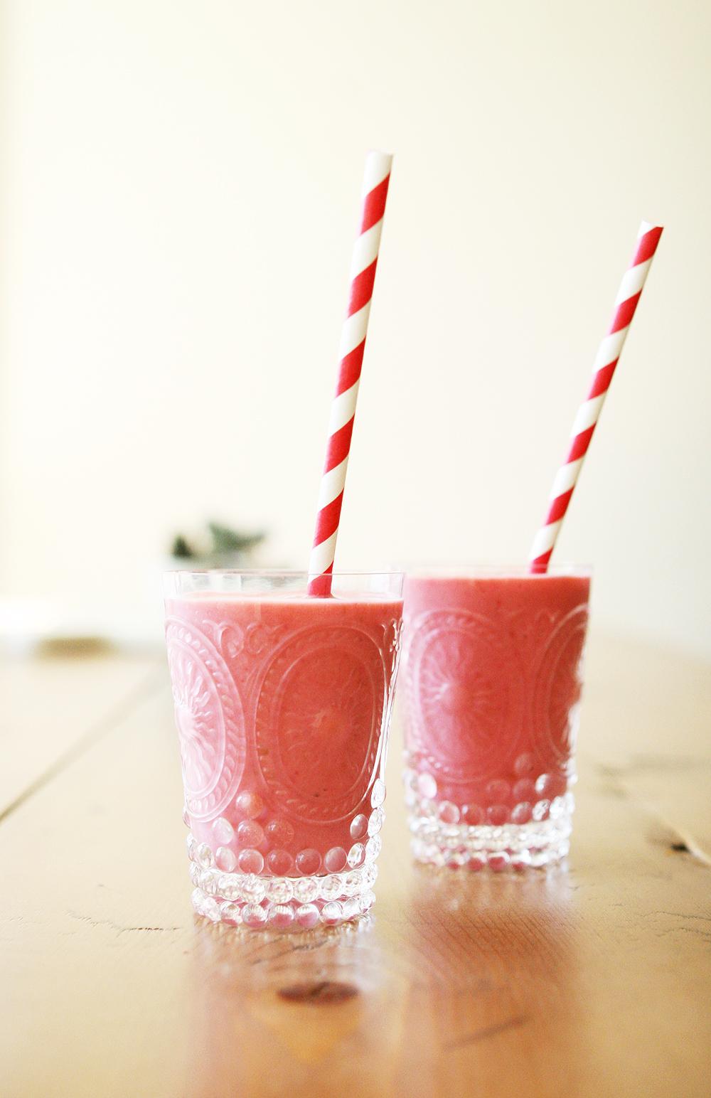Natasha Asselstine Nutrition   Summer Berry Smoothie or Frozen Yoghurt